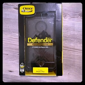 I Phone 7 Plus Otterbox Defender Case